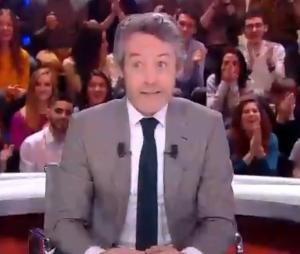 Quotidien : le chroniqueur Pablo Mira se rase la tête direct devant Yann Barthès, choqué.