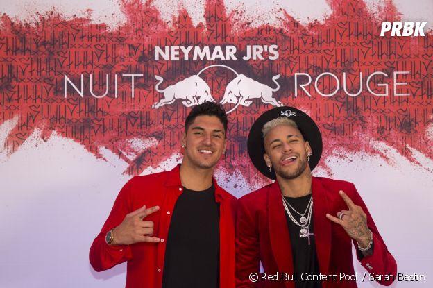 Neymar et Gabriel Medina à l'anniversaire de Neymar à Paris.