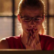 Arrow saison 7 : Stephen Amell et les acteurs en larmes sur le tournage pour le départ de Felicity