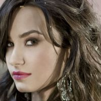 Demi Lovato ... Elle assume ses rondeurs