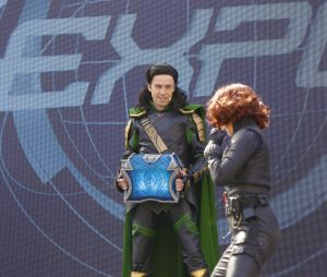 """Disneyland Paris : le spectacle """"Stark Expo : Place à l'Avenir !"""" avec Loki et Black Widow"""