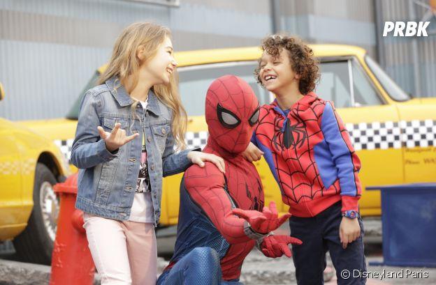 """Disneyland Paris : pendant """"La Saison des Super Héros Marvel"""", rencontrez vos personnages préférés comme Spider-Man pour une photo souvenir"""