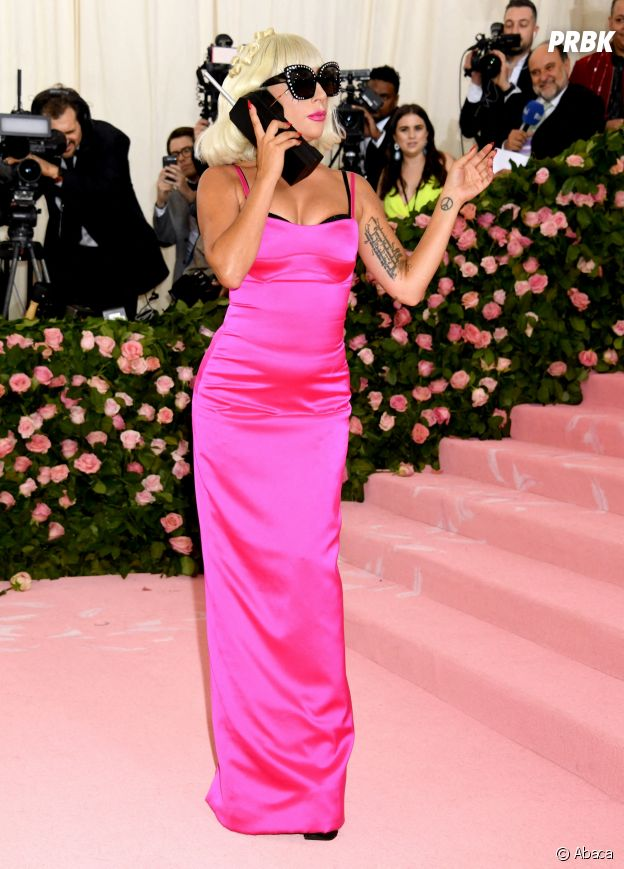 Lady Gaga sur le red carpet du Met Gala 2019