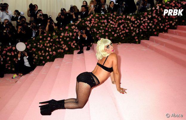 Lady Gaga en lingerie sur le red carpet du Met Gala 2019