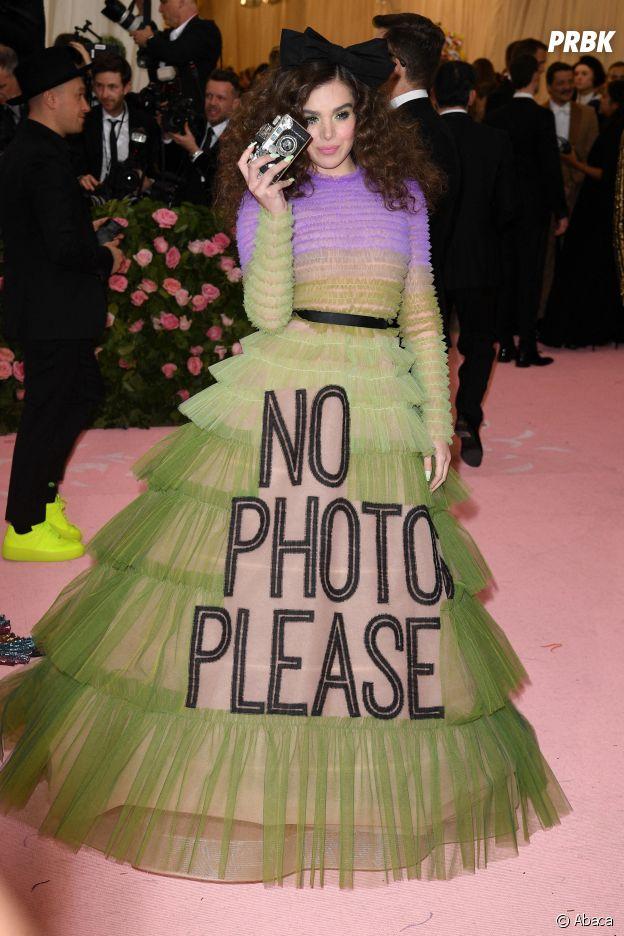 Hailee Steinfeld sur le red carpet du Met Gala 2019
