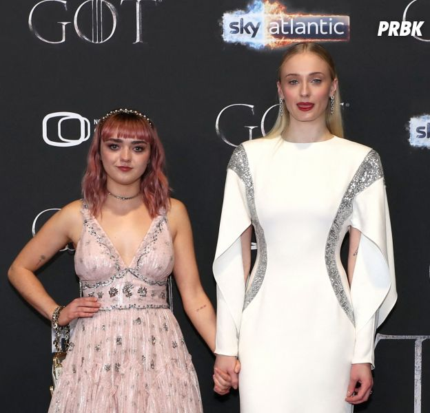 Game of Thrones : Sophie Turner l'avoue, elle embrassait Maisie Williams sur le tournage
