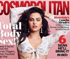 Camila Mendes montre son tatouage en une de Cosmopolitan