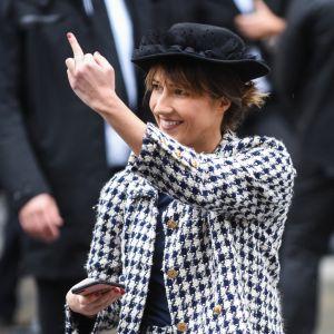 Marie S'infiltre s'incruste au défilé Chanel... et se fait éjecter par Gigi Hadid !