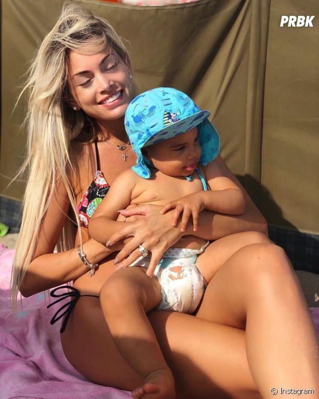 Mélanie Da Cruz avec son fils Swan