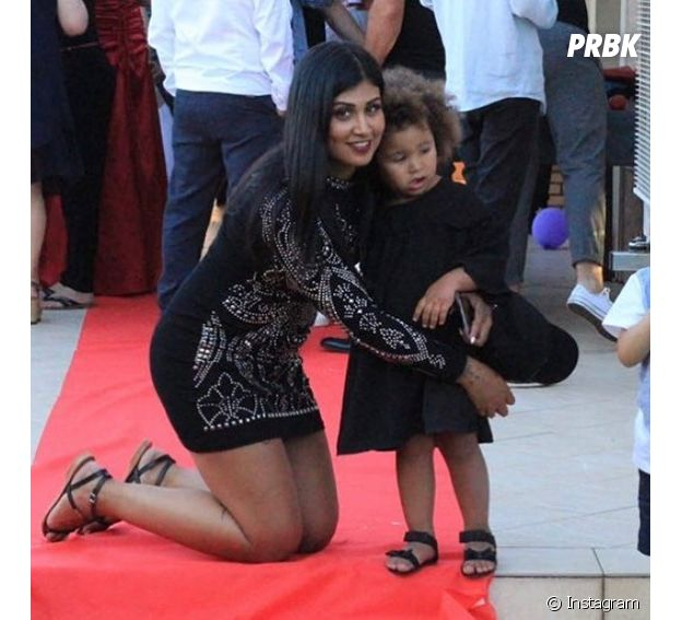 Jessica Da Silva pose avec sa fille Kiyara