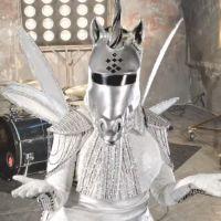 Mask Singer : quelle célébrité est la licorne ? Les indices qui dévoilent son identité