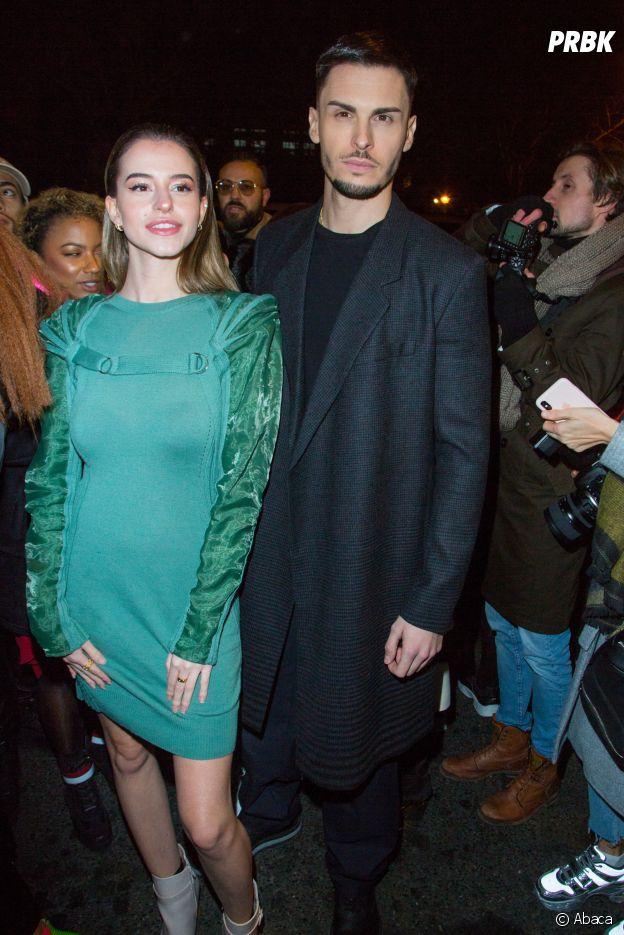 Léa Elui et Baptiste Giabiconi lors du dernier défilé Haute-Couture de Jean-Paul Gaultier à la Paris Fashion Week