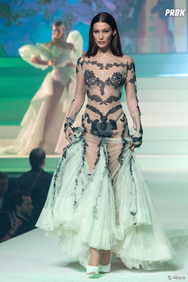 Bella Hadid lors du dernier défilé Haute-Couture de Jean-Paul Gaultier à la Paris Fashion Week