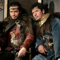 """Kaamelott au cinéma : un """"film ambitieux"""", des personnages séparés... premières révélations"""