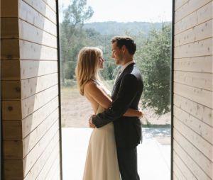 Melissa Benoist et Chris Wood lors de leur mariage en septembre 2019