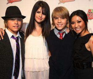 Cole réagit aux révélations de Selena Gomez sur son baiser avec Dylan Sprouse