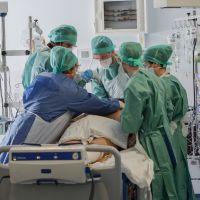"""Coronavirus - Julie, plus jeune victime, morte à 16 ans : """"elle avait juste une toux"""""""