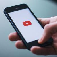 """Confinement : YouTube lance """"Apprendre à la maison"""" avec des YouTubers, des émissions et des musées"""