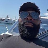 Kaaris insulté et caillassé par des jeunes depuis son bateau à Cannes