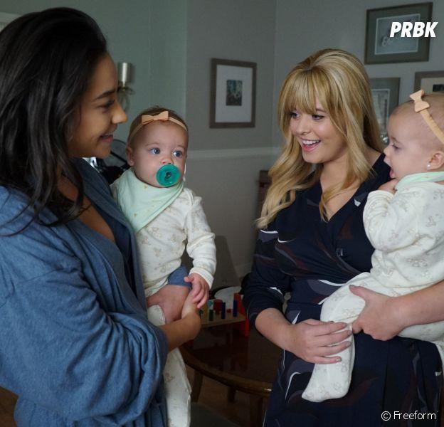 Pretty Little Liars : Emily, Alison et leurs filles sur une photo