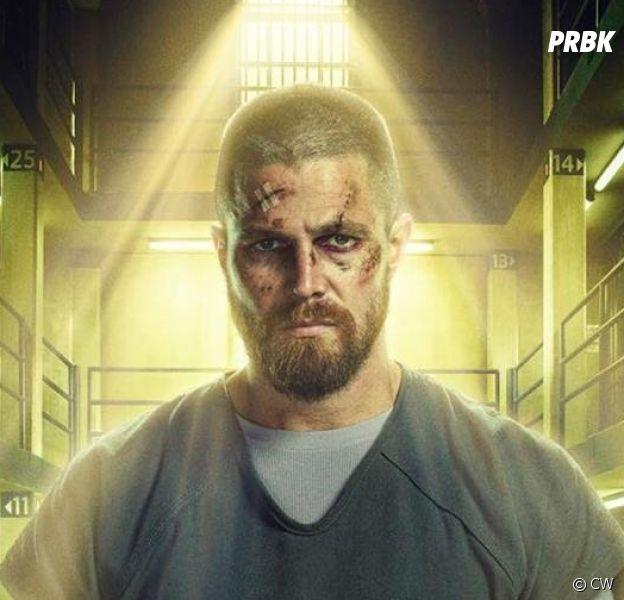 Arrow saison 8 : Oliver (Stephen Amell) ne devait pas mourir durant le crossover