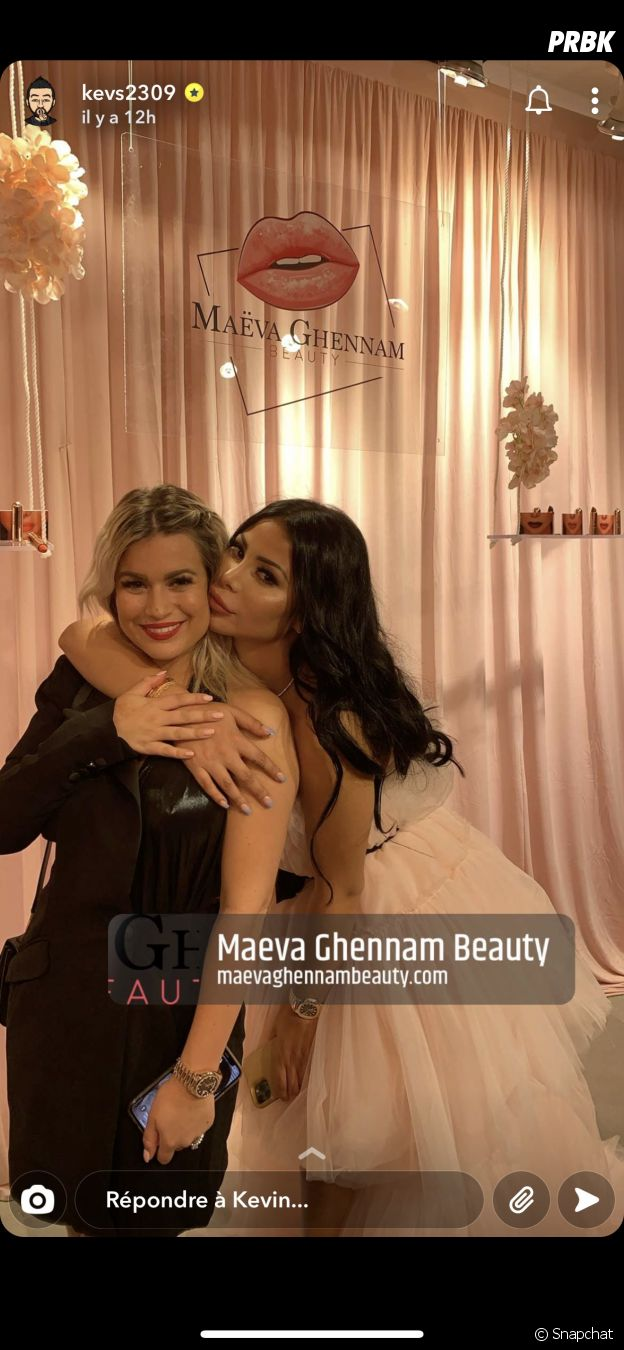 Carla Moreau avec Maeva Ghennam à la soirée de lancement de Maeva Ghennam Beauty
