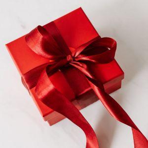 Saint-Valentin 2021 : 10 idées de cadeaux à offrir à sa copine