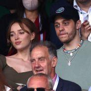 Phoebe Dynevor et Pete Davidson en couple : ils s'affichent ensemble à Wimbledon 😍
