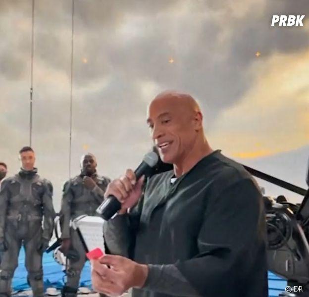 Black Adam : tournage terminé, Dwayne Johnson offre 10 000 dollars à l'équipe du film