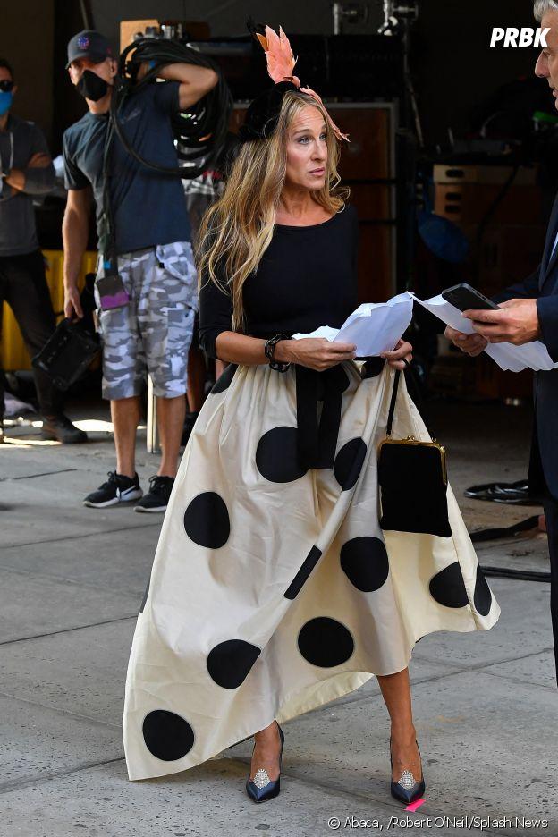 Sex and the City les photos du tournage de la suite And Just Like That... dévoilées : Mr Big (Chris Noth) de retour au côté de Carrie Bradshaw (Sarah Jessica Parker)