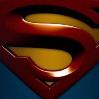 Superman ... Et le personnage féminin est ...