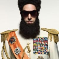 The Dictator PHOTO .... Sacha Baron Cohen se prend pour Sadam Hussein