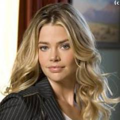 Denise Richards... elle parle de son divorce avec Charlie Sheen