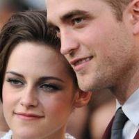 Robert Pattinson fou amoureux de Kristen Stewart : il lui offre un médaillon en or à 40 000 dollars