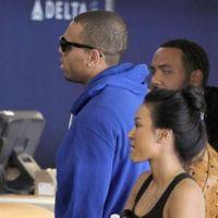 Chris Brown chute sur scène ... et bientôt papa