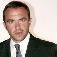 Nikos Aliagas en couple : tout sourire aux bras de Tina