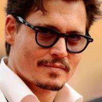 Dr Seuss : Johnny Depp troque sa tenue de pirate pour celle du papa du vilain Grinch