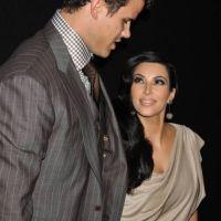 Kim Kardashian et Kris Humphries : elle rend des cadeaux de mariage et lui déprime