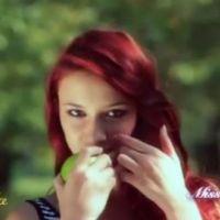 Miss France 2012 : Delphine Wespiser ''pleure'' sur l'épaule de Malika Ménard (VIDEO)