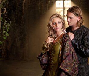 Camelot - Tamsin Egerton et Jamie Campbell-Bower