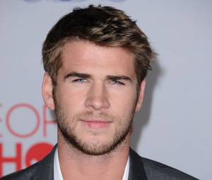 Liam Hemsworth sans sa chérie Miley Cyrus aux People's Choice Awards 2012