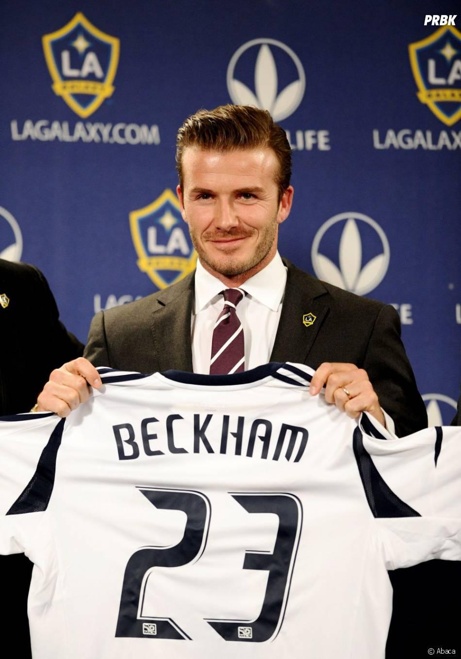 David Beckham pose avec le maillot des Los Angeles Galaxy