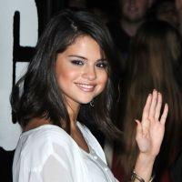 Selena Gomez : son parfum sort, elle peut partir en tournée