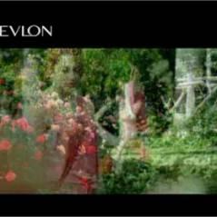 Emma Stone : nouvelle bombe de la pub Revlon (VIDEO)