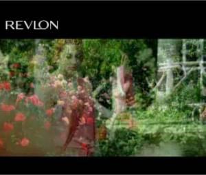 Emma Stone dans la nouvelle pub pour Revlon