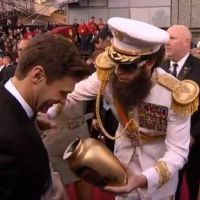 Oscar 2012 : Sacha Baron Cohen, le dictateur en mode provocateur ! Fail (VIDEO)