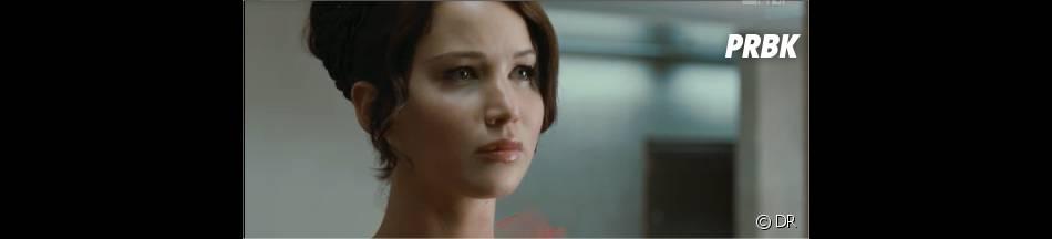 Katniss assiste à l'interview de Peeta