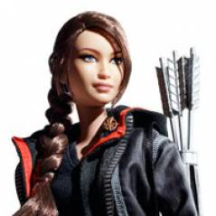 Hunger Games : Découvrez la Barbie Katniss qui ressemble pas à Jennifer Lawrence ! (PHOTO)
