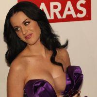 Katy Perry : grillée en plein kiss avec le guitariste de Florence and The Machine !