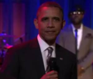 Barack Obama gère sa campagne en slammant
